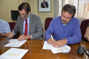 firma de acuerdo con sindicatos